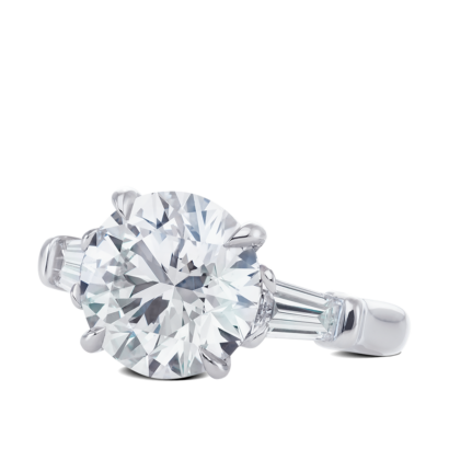 Ring-Davina-three-stone-ring-diamonds-platinum-steven-kirsch-02.png
