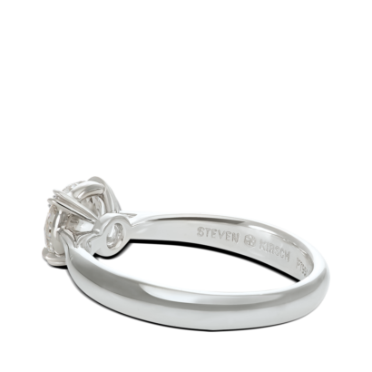 ring-aria-solitaire-pinched-band-platinum-steven-kirsch-03.png