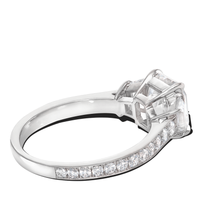 ring-radiance-three-stone-diamonds-platinum-trapezoids-asscher-steven-kirsch-3.png