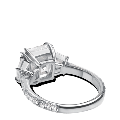 ring-allure-asscher-trapezoids-three-stone-diamonds-platinum-steven-kirsch-1.png