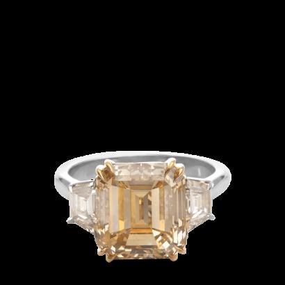 ring-trio-asscher-trapezoids-three-stone-platinum-gold-steven-kirsch-1