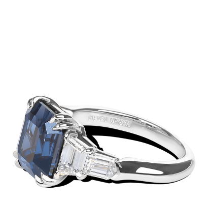 ring-velvet-spinel-diamonds-five-stone-platinum-steven-kirsch-3.png