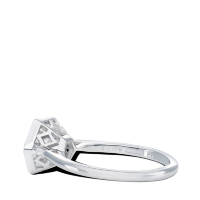 ring-anne-round-diamond-bezel-solitaire-baguettes-platinum-steven-kirsch-1.png
