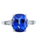 ring-charlotte-three-stone-sapphire-baguettes-diamonds-platinum-steven-kirsch-01