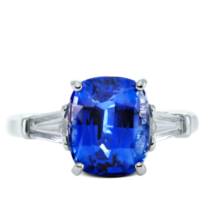 ring-charlotte-three-stone-sapphire-baguettes-diamonds-platinum-steven-kirsch-01.png